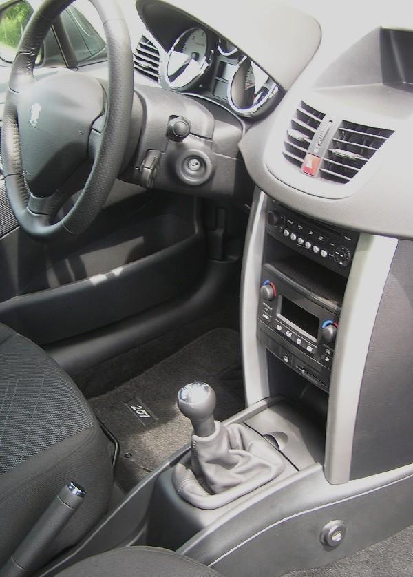 Peugeot 207 hdi manualis