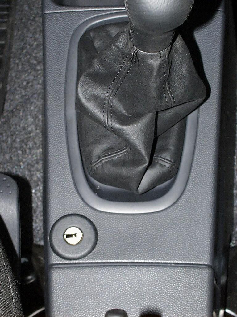 Subaru justy manualis