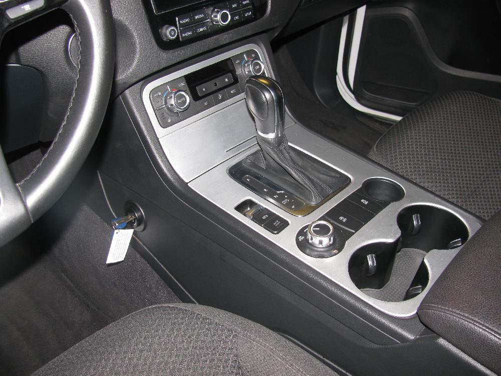 volkswagen touareg aut 2012